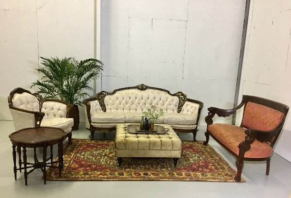 Dutchess Lounge, Styled Lounge Grouping