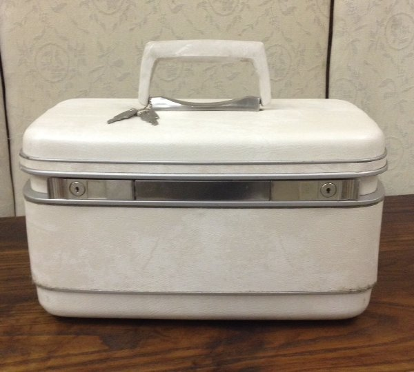 Vintage Make Up Suitcase