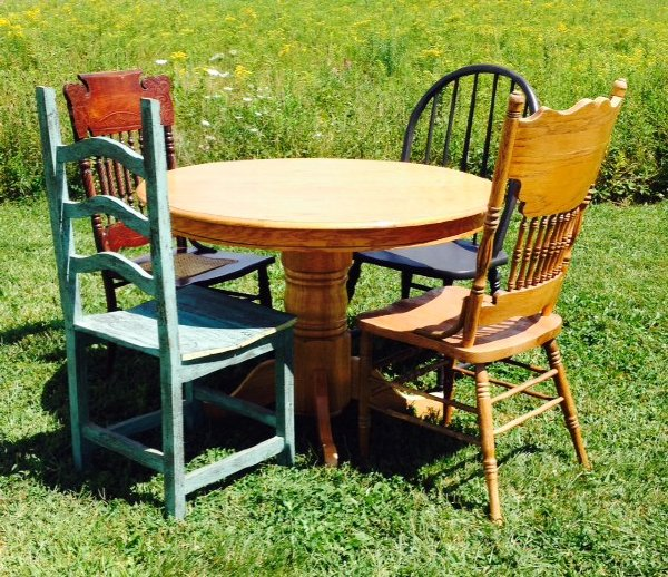 Round Table, Seats 4