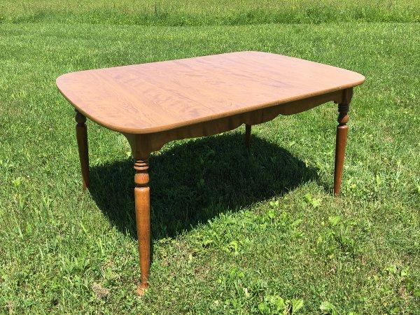 Ethan Table, Seats 6