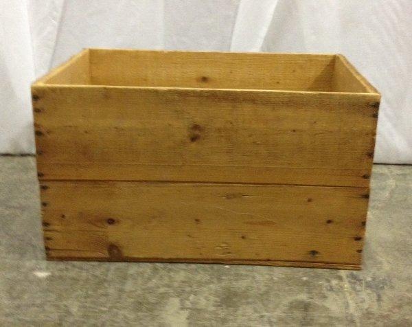 """Vintage """"Hudson"""" Wooden Box"""