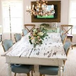 Chippy White Farm Table