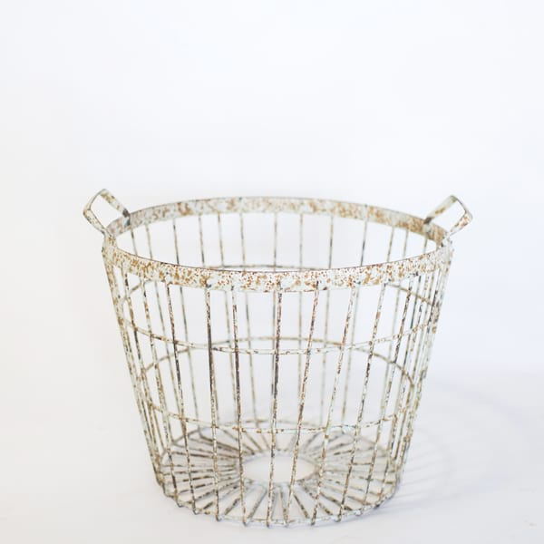 Chippy White Egg Basket