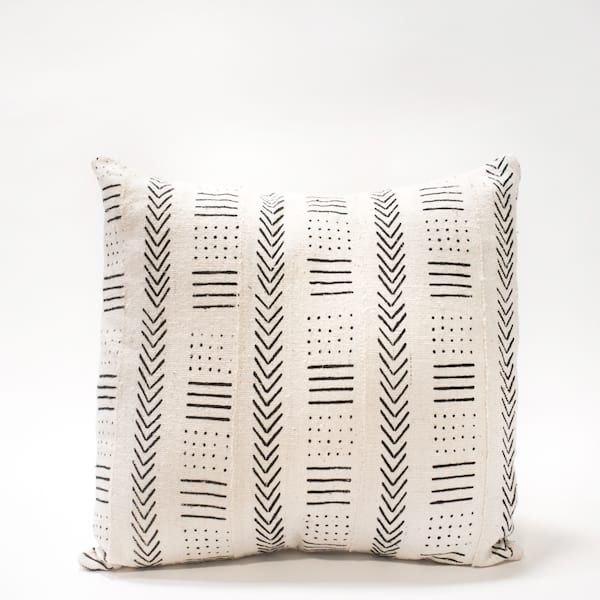 Pillow // White Mudcloth (lg)