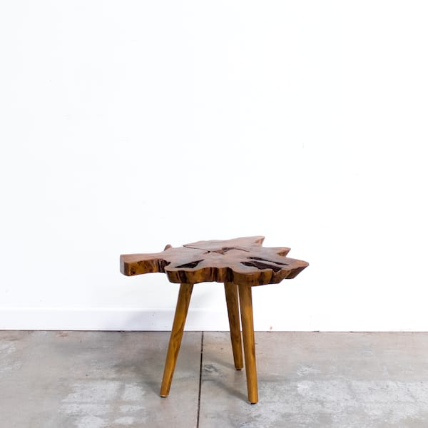 Peggy Table