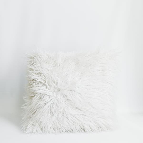Pillow // Flokati
