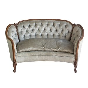 Pearl Tufted Loveseat