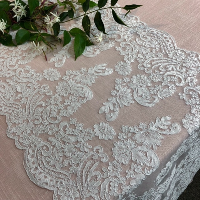 BRIDAL LACE runner