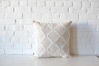 Pillow - Linen & White Quatrefoil