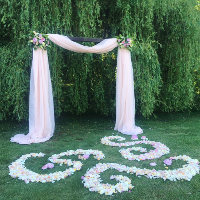 Example of our Fabric Backdrops/Ceremony Setup