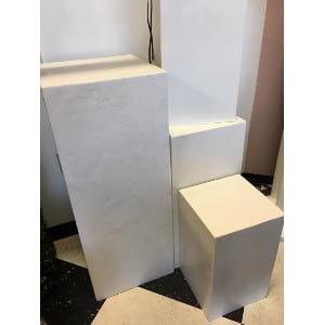 Hilly- Medium White Pedestal