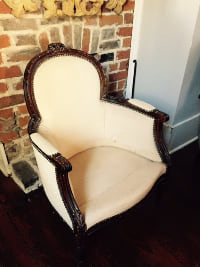 Rounded Wing Chair