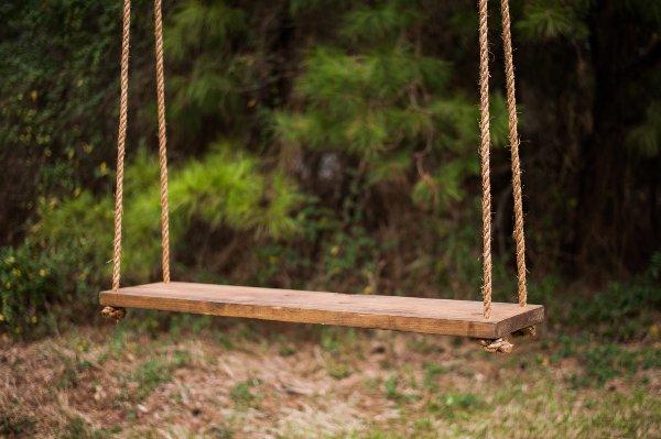 Hanging Centerpiece Swing