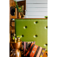 Dal Rae tufted bar