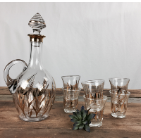 Goldleaf decanter and sherry glasses