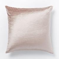 pink velvet pillow (b)