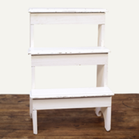 Timber tiered stand