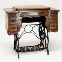 Maddox sewing table