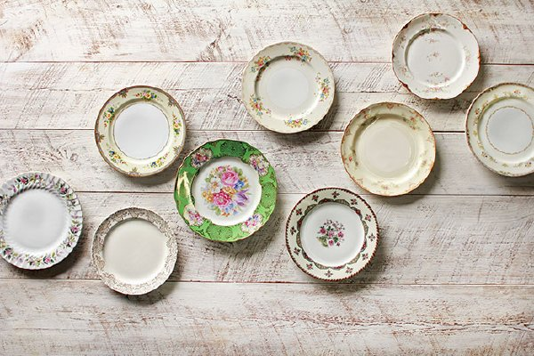 The Florence: Mixed Vintage Dinner Plates