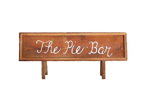 The Peachy: Small Pie Bar Sign