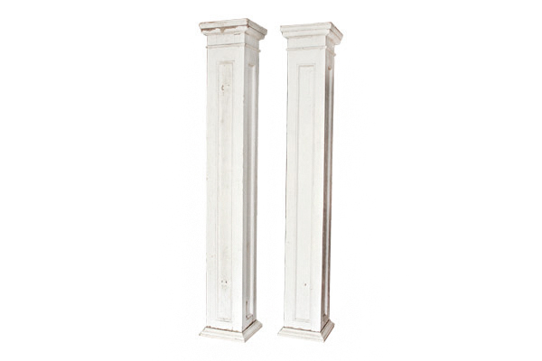 The Bradley : Antique Wooden Pillars
