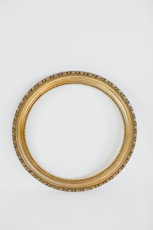 round brass picture frame