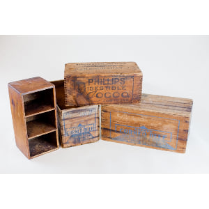 medium wooden crate - single