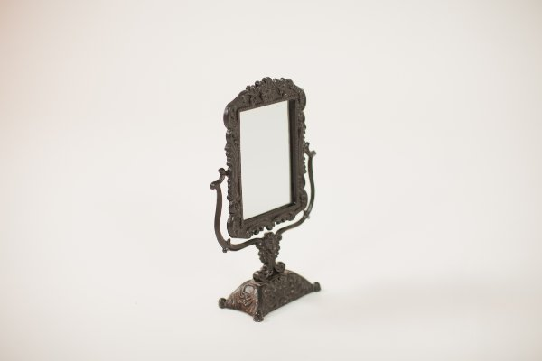 black tabletop mirror