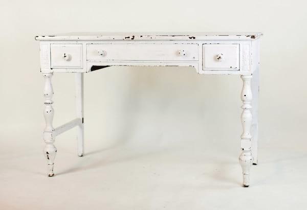 white chippy desk