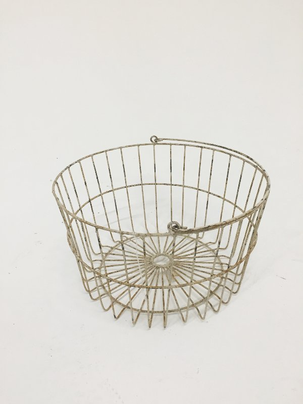 white chippy egg basket