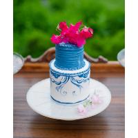 Milkglass Cake Plate