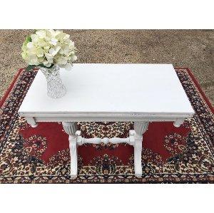 Paragon Table