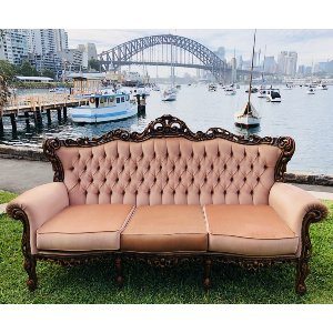 UPHOLSTERED SOFAS & ARMCHAIRS