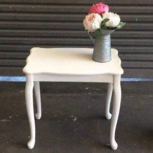 Cabriole Table