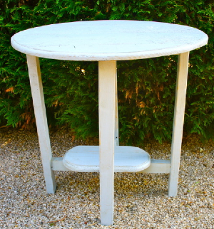 Kristina Table