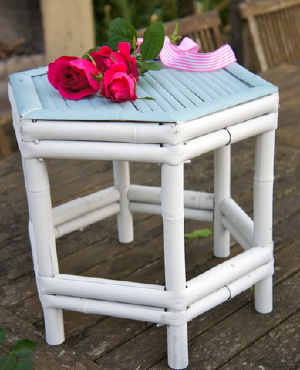 Shelley Tiny Table / Cake Stand