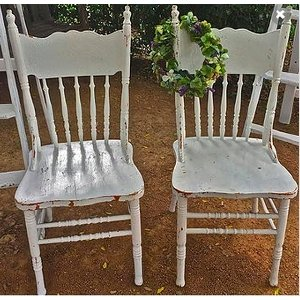 Avalon Signing Chairs (White)