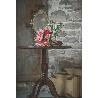 Simon Pedestal Table